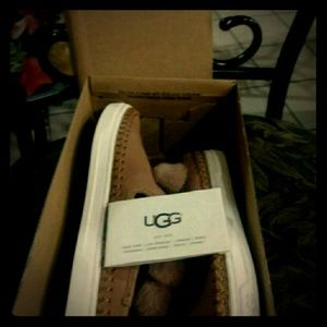 Uggs Pom Pom shoes brand new never worn in box
